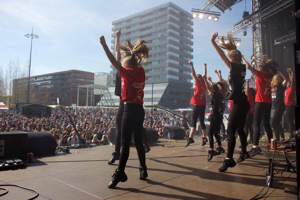 Optreden Bevrijdingsfestival: 5 voor 5! @ Esplanade, Almere Stad
